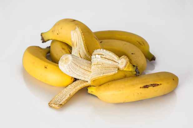 banana-tropical-fruit-yellow-healthy-39566.jpeg