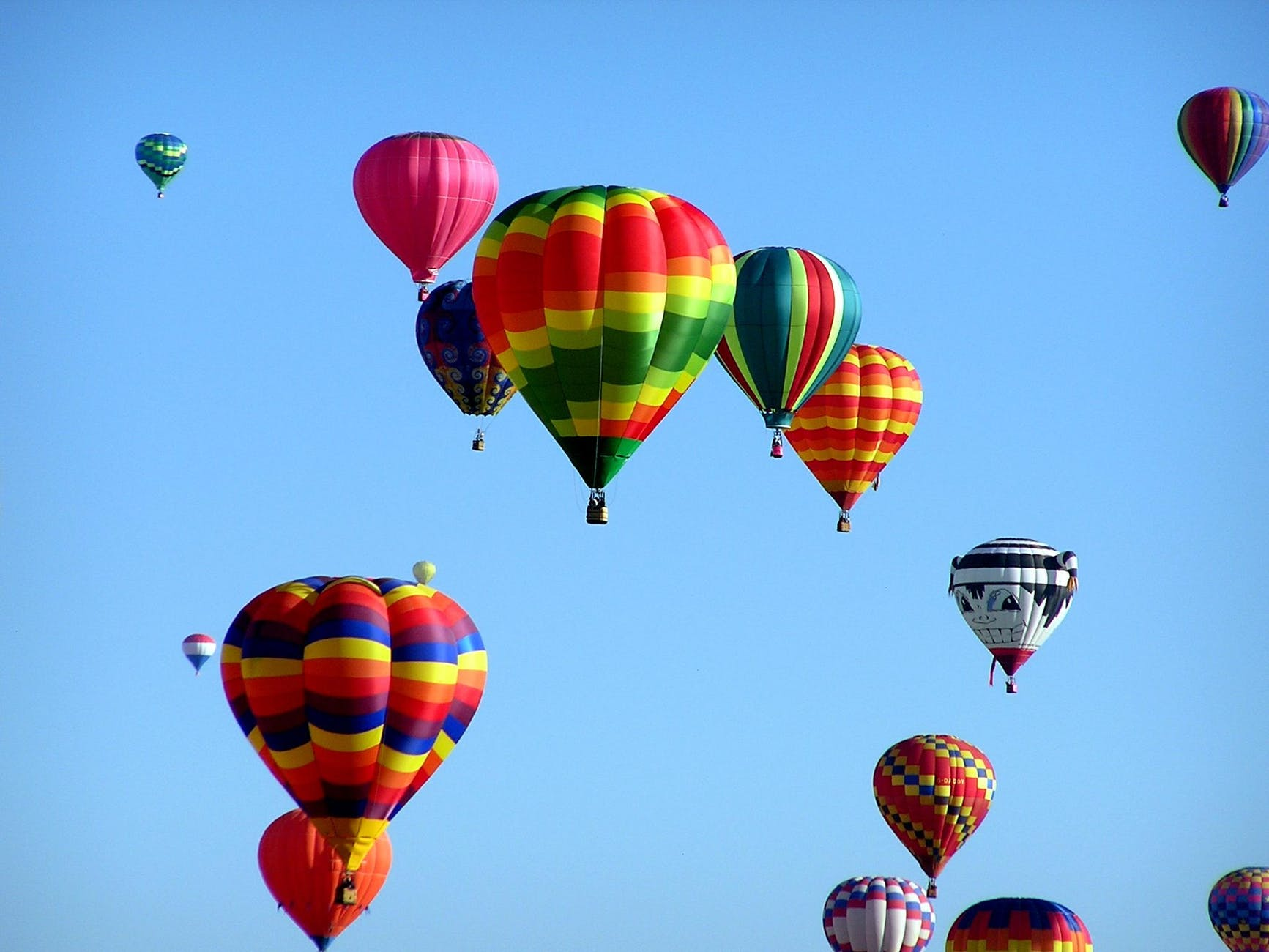 hot-air-balloons-hot-air-ballooning-event-51377.jpeg