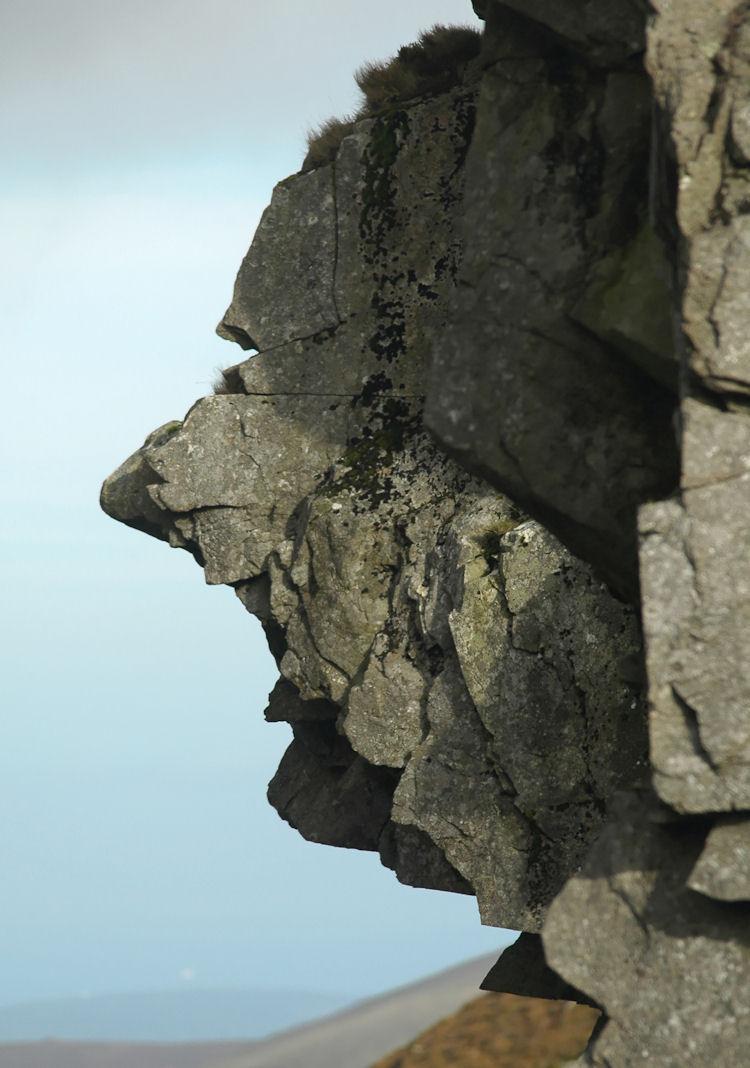 nantlle_ridge_face_in_the_rock_dsc_7301_c